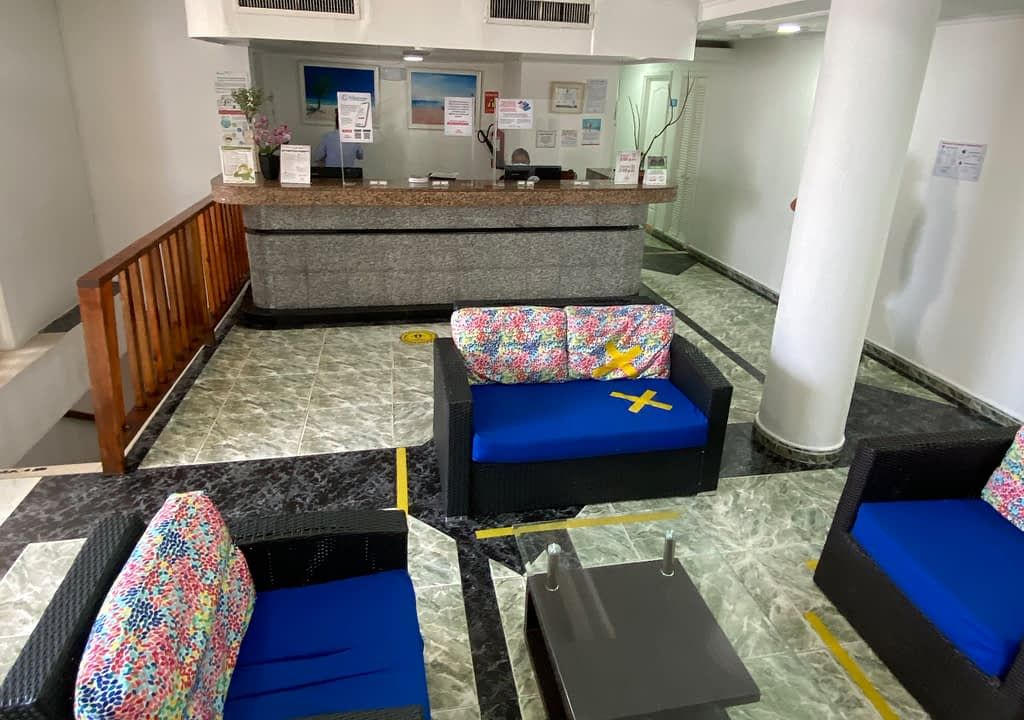 ON VACATION - SAN ANDRES - HOTEL CORAL - RECEPCION