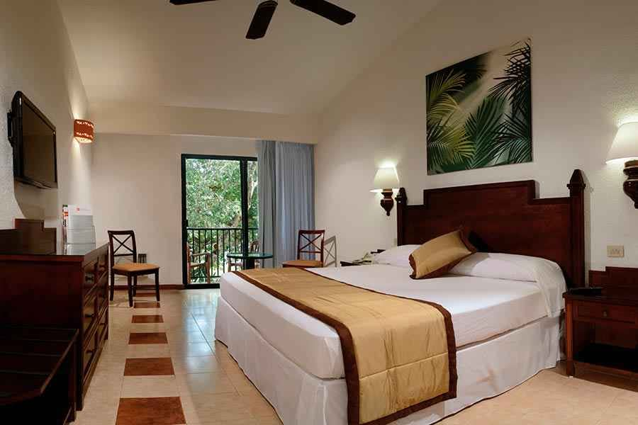 room-family-riu-lupita-2_tcm49-227420