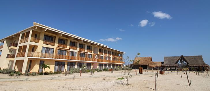ON VACATION - HOTEL WAYIRA -